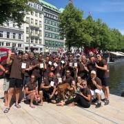 B-East-Y-Boys zum 10. Titel in Folge beim Drachenbootrennen.